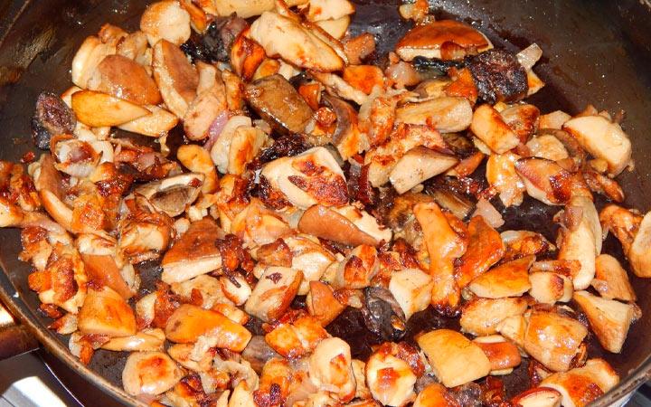 гриб беляк жареный с луком