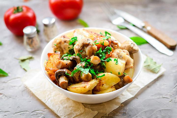 Картофель с грибами и лососем