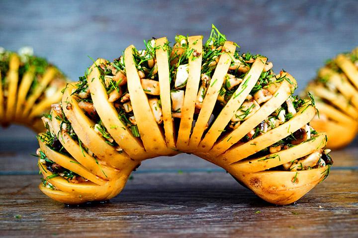 Фаршированная картошка-гармошка