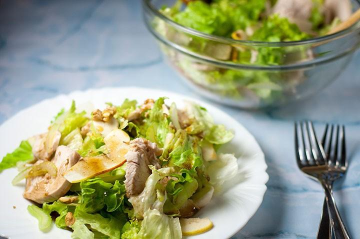 Салат из индейки с курагой фото