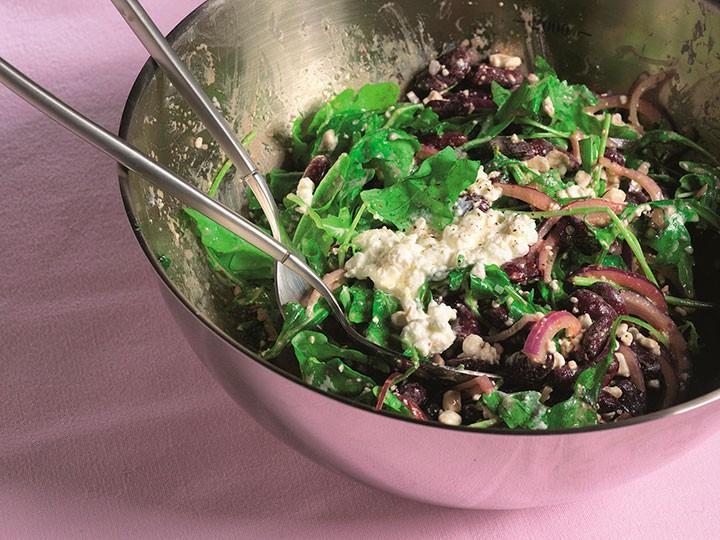 Салат с фасолью и творожным сыром фото