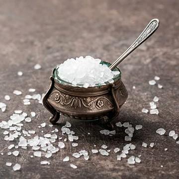 Нужна ли соль курам несушкам и бройлерам?