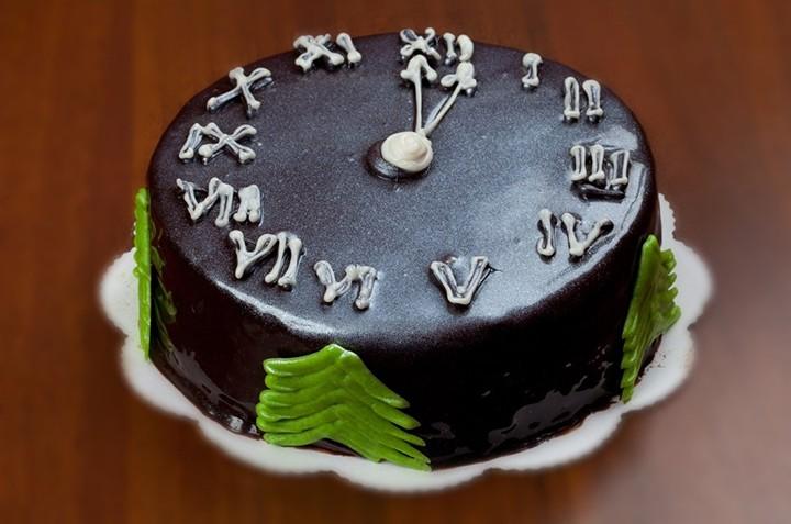 Торт на Новый Год «Часы» фото
